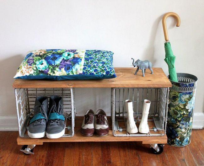 Range-chaussures pratique et mobile sur roulettes