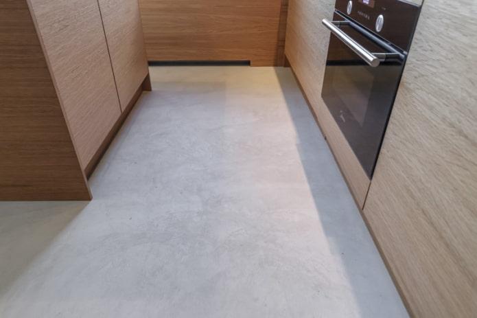 linoléum gris dans la cuisine