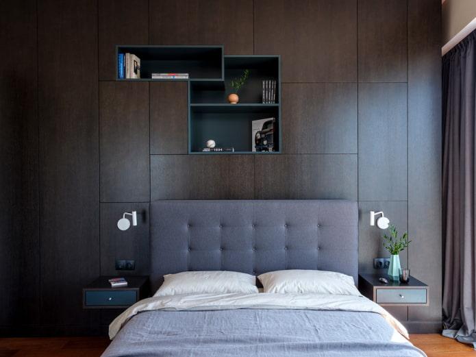 étagères intégrées au-dessus de la couchette à l'intérieur