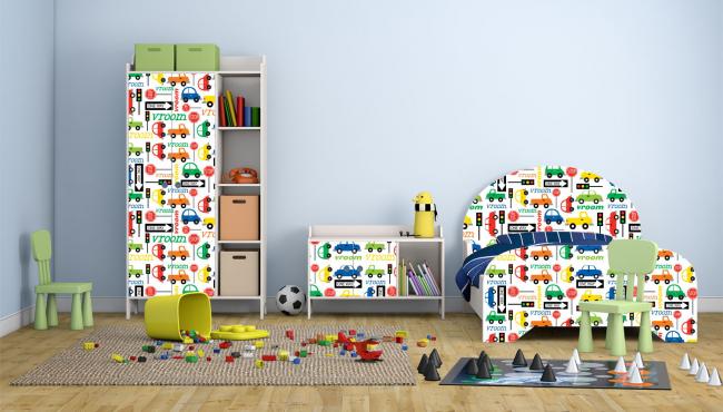 Le film avec des images et des éléments lumineux convient à la création de meubles colorés pour une chambre d'enfant