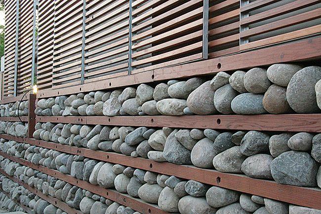 Les pierres peuvent être utilisées comme matériau isolant pour garder la maison au chaud