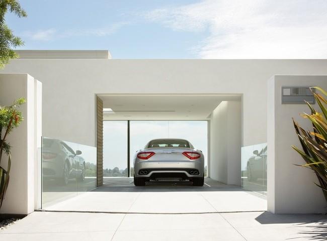 Carport - dans le cadre d'une maison moderne