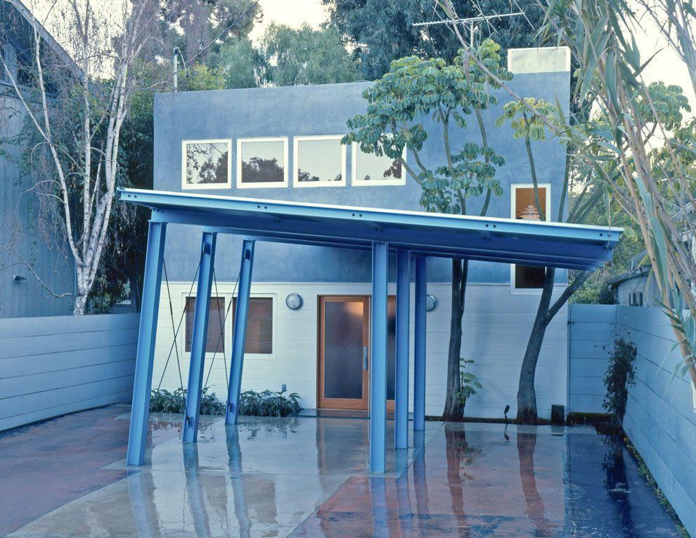 Auvent à cadre en métal peint en bleu
