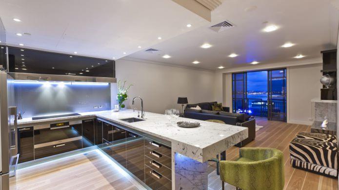 intérieur de cuisine avec ensemble noir