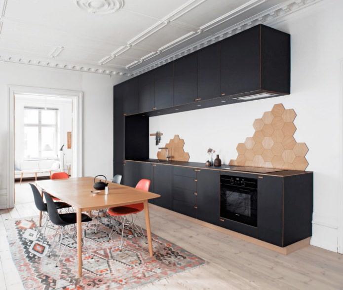 ensemble noir mat à l'intérieur de la cuisine