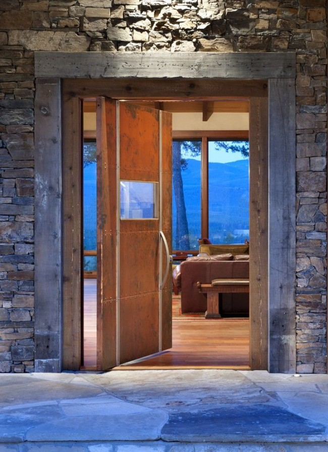 Modèle intéressant d'une porte en acier de style rustique
