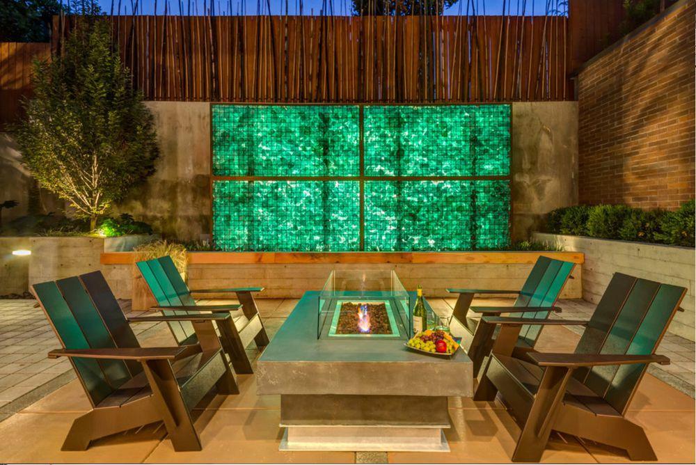 La conception extérieure moderne implique l'utilisation de gabions à des fins décoratives