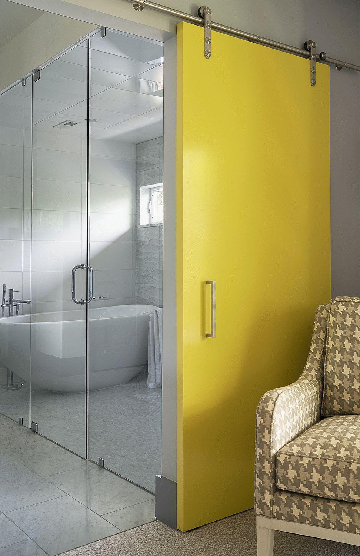 Porte de salle de bain en plastique jaune