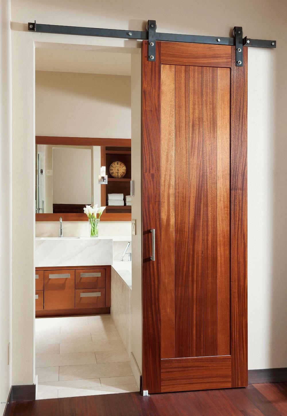 Porte coulissante étroite avec un grain de bois riche