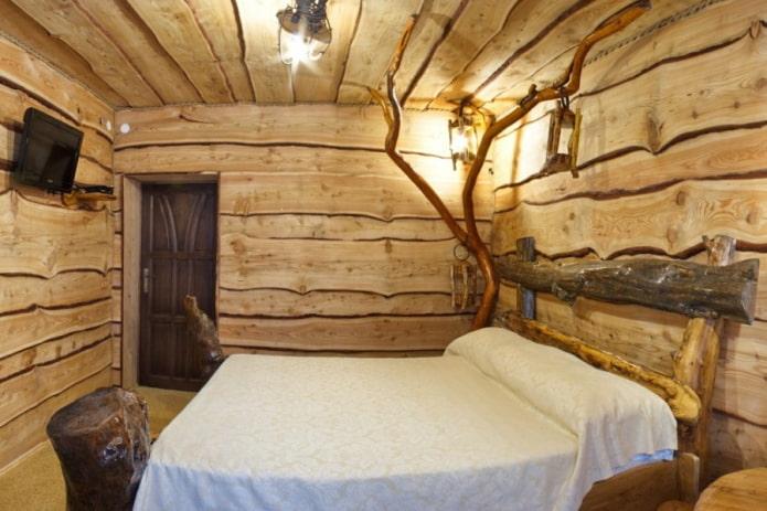 plafond de coupes de bois dans la chambre