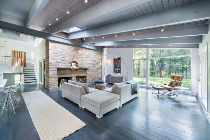 plafond en bois gris dans le salon