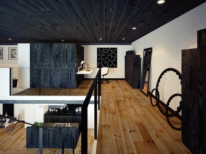 plafond noir en bois à l'intérieur