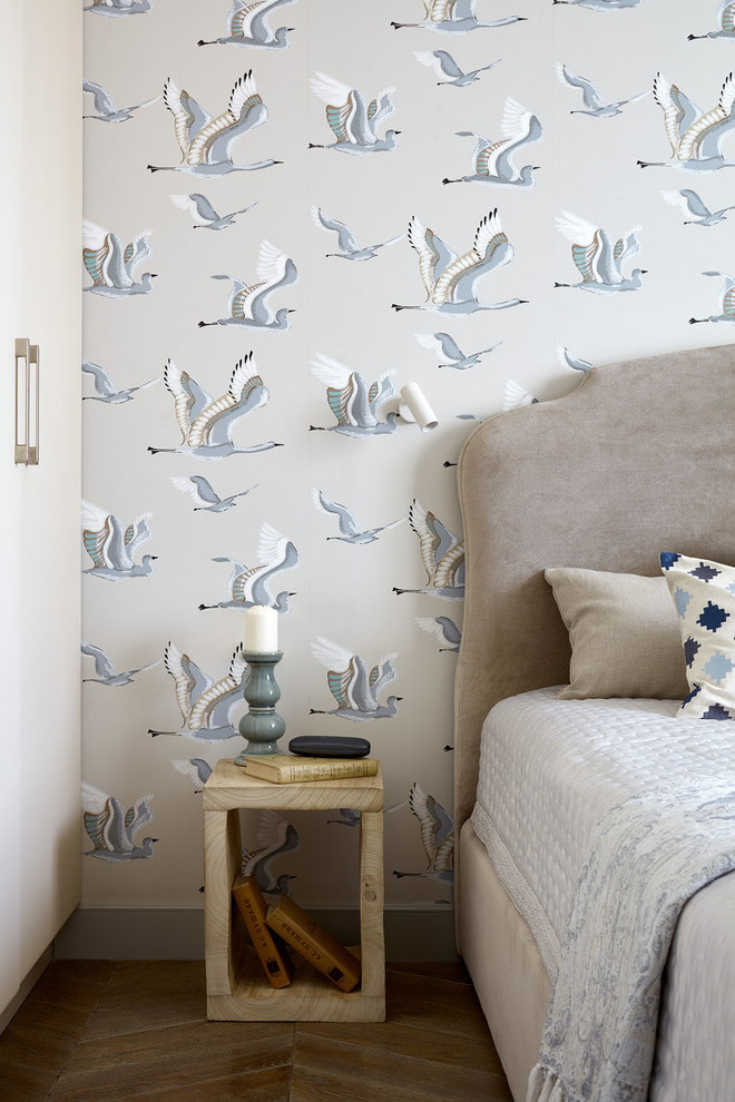 papier peint en papier avec des oiseaux à l'intérieur