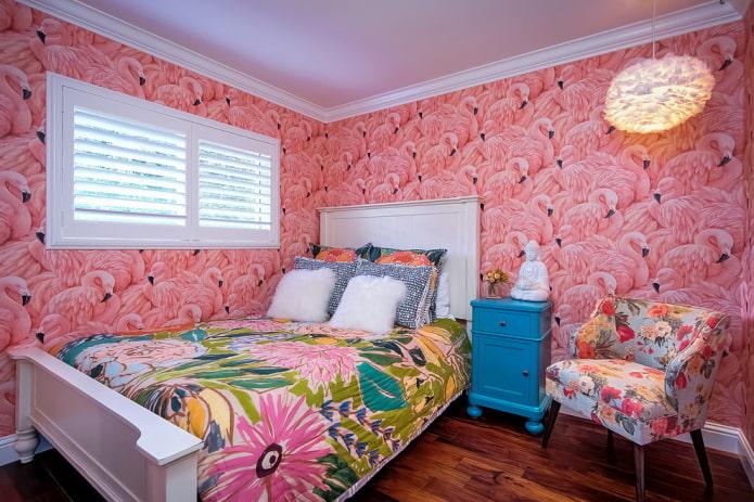 papier peint rose à l'intérieur