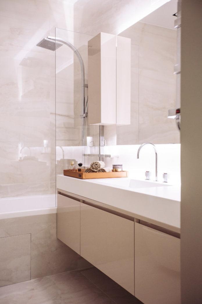salle de bain rose vif
