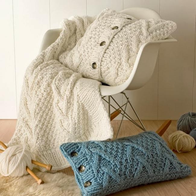 Oreillers tricotés élégants et originaux