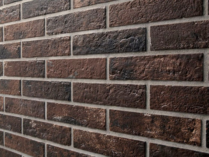 Grès cérame aspect brique foncé