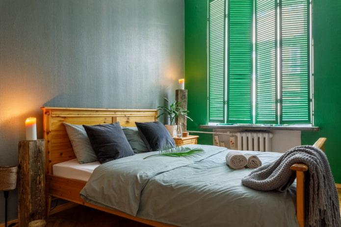 Tête de lit contre le mur