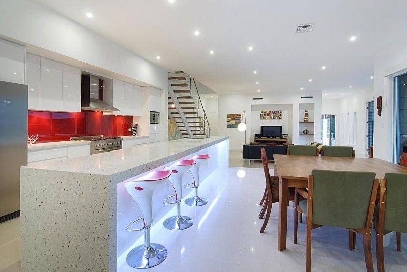 Les luminaires en saillie sont une excellente option pour un éclairage de haute qualité avec des plafonds à un niveau