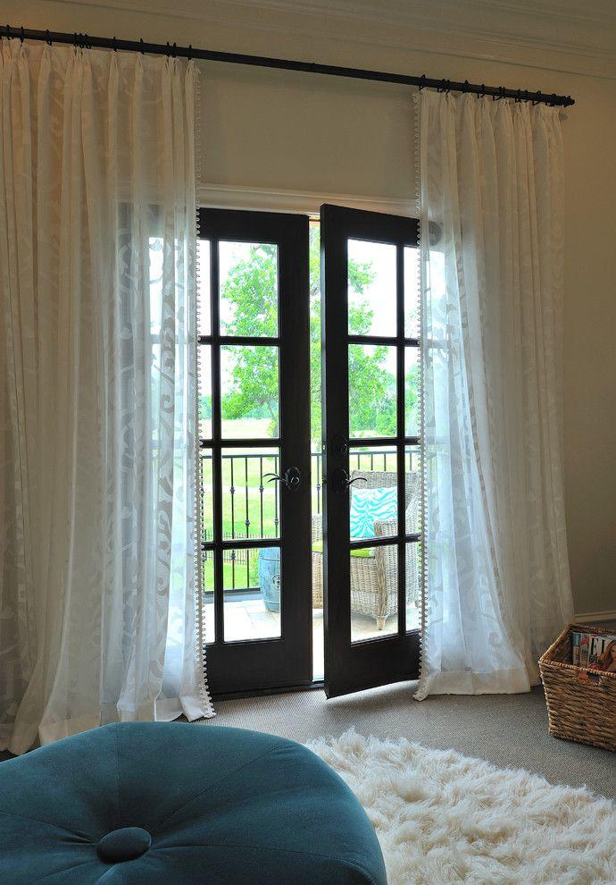 Organza avec un ornement - l'effet de la dentelle délicate dans la conception de votre fenêtre