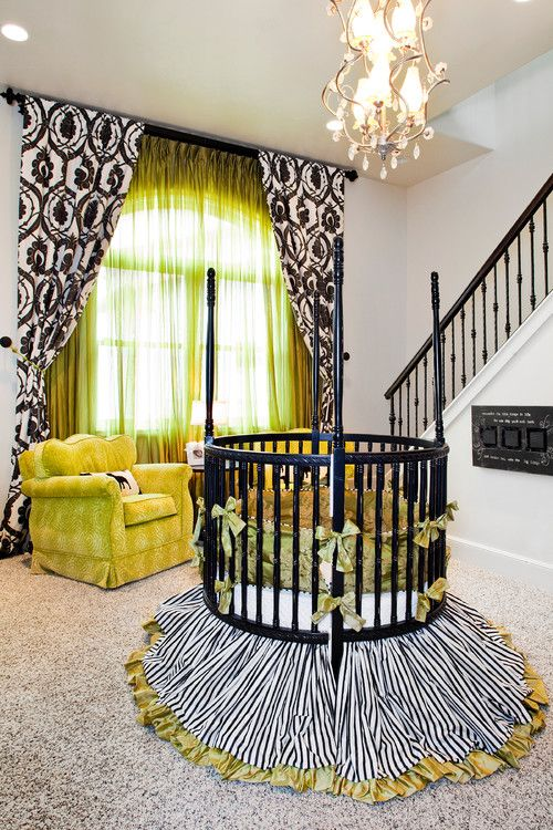 L'organza brillant dans la chambre de bébé est un excellent accent pour créer une ambiance chaleureuse