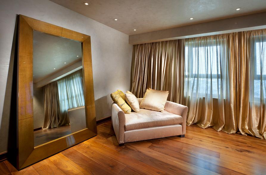 Or translucide - décoration riche pour les fenêtres du salon