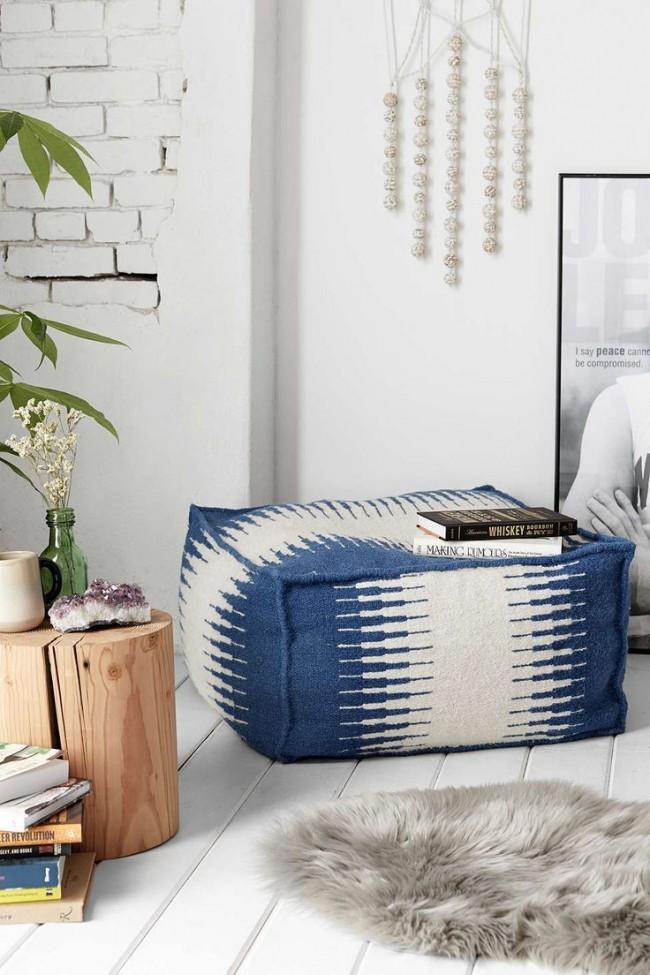 Un tel élément de mobilier peut ajouter de la fraîcheur, de l'espace et de la légèreté à l'intérieur.