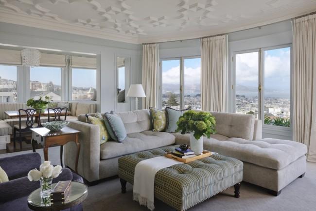 Vous pouvez utiliser ce meuble dans votre salon à la place d'une table basse.