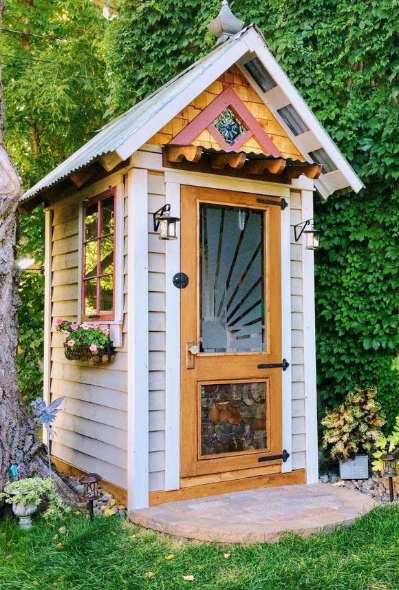 Maison pour outils de jardin