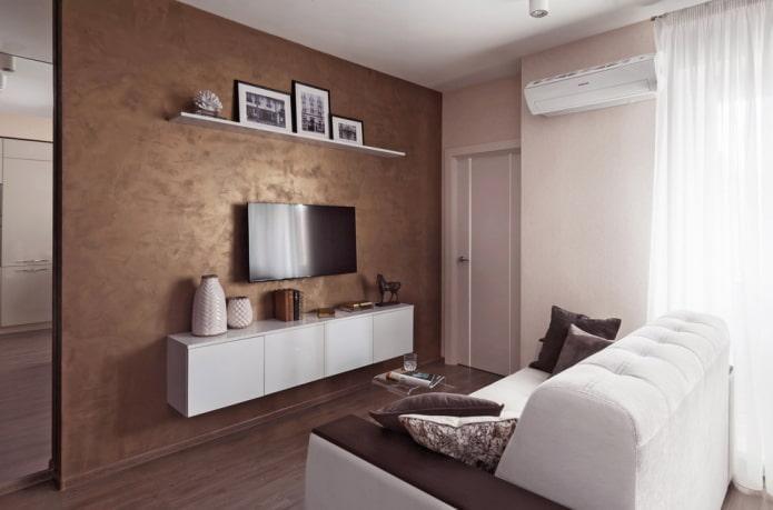 murs de plâtre brun dans le salon