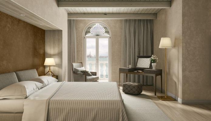 chambre avec papier peint beige