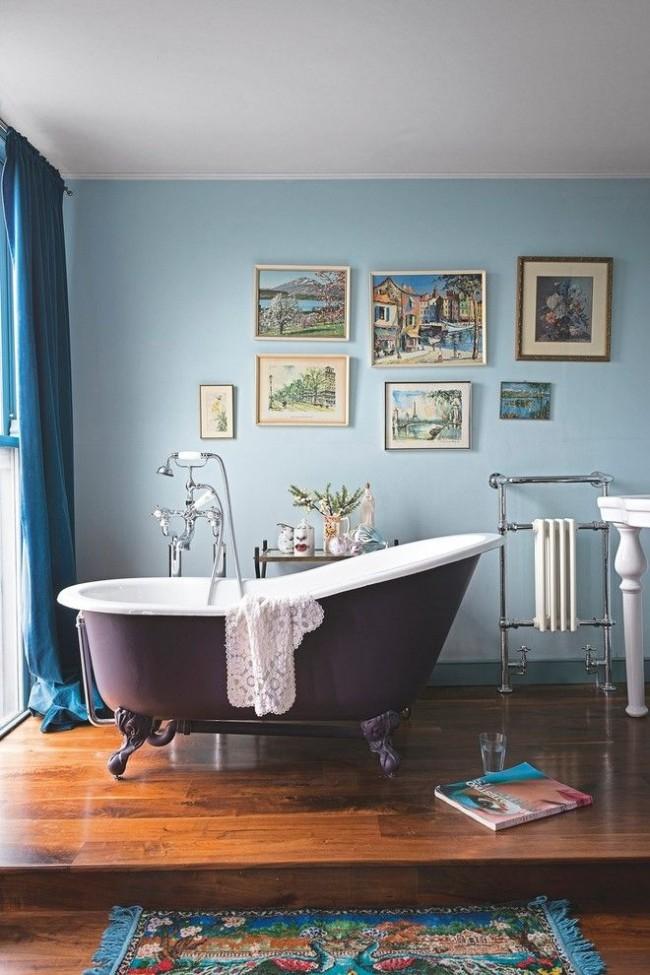 Bel intérieur avec salle de bain en fonte