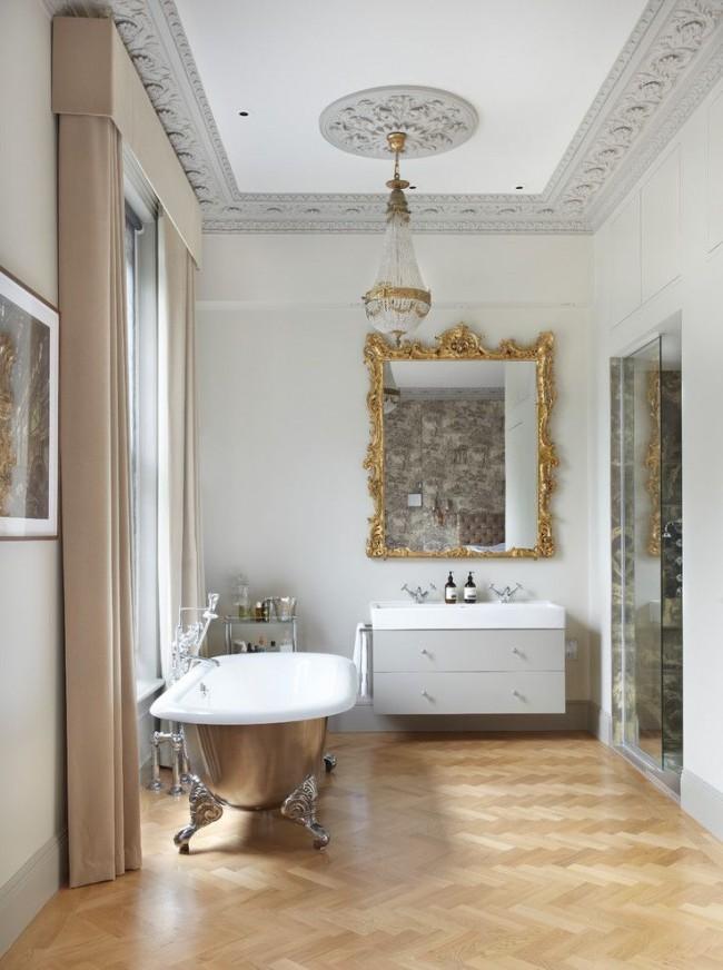 La baignoire en fonte est parfaite pour un intérieur de style classique