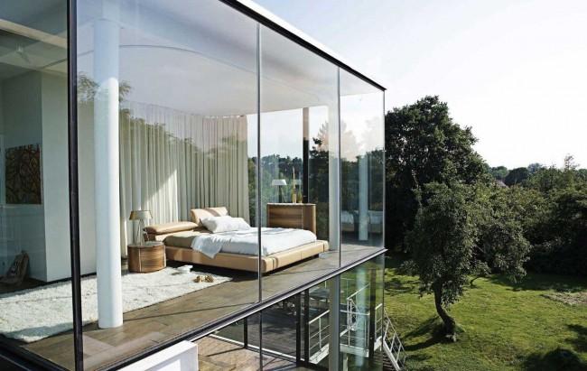 La façade en verre a l'air incroyable