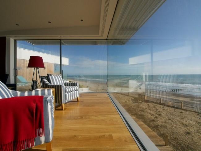 Le vitrage panoramique peut complètement transformer une maison