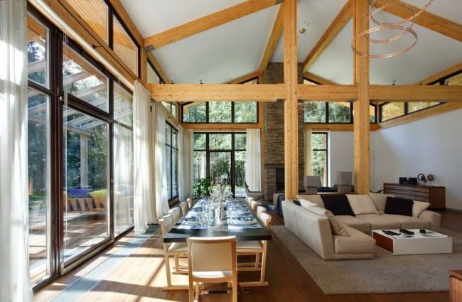 Grâce au verre composite, le vitrage panoramique du balcon deviendra la plus haute qualité et la plus chère