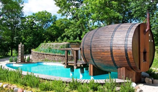 Le bain de baril a l'air inhabituel et très original