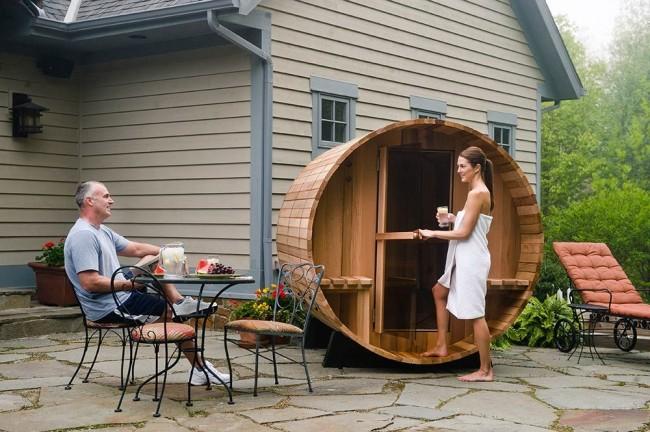 La consommation d'énergie minimale des saunas en tonneau permet aux propriétaires de recevoir des procédures de guérison aussi souvent qu'ils le souhaitent.