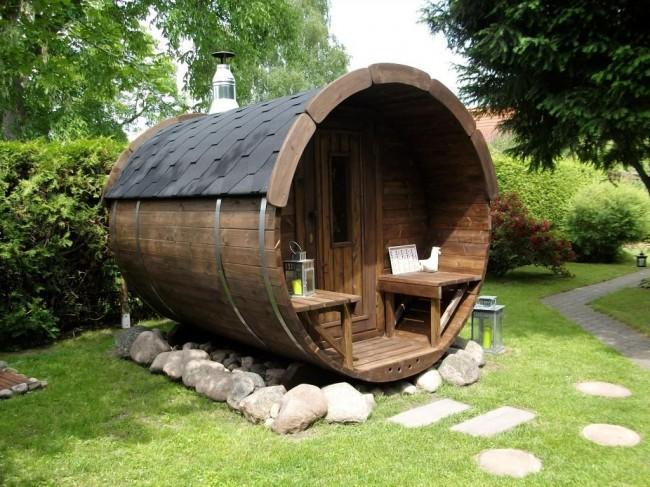 Lors de la construction d'un bain-tonneau, une attention particulière doit être portée au choix du bois