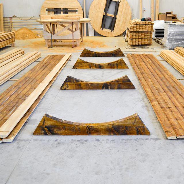 Lors de la construction d'un bain de baril, vous devez prendre soin de sa stabilité.