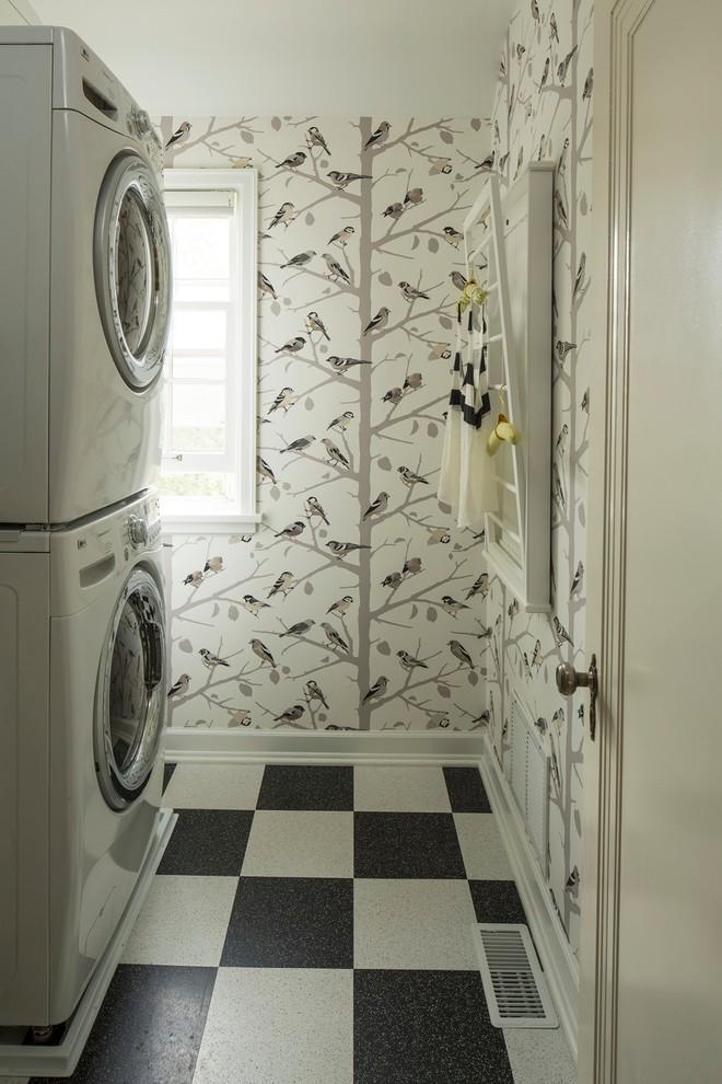 Il convient de prêter attention au choix de bagatelles telles qu'un sèche-linge mural, et le lavage - un entretien fréquent et nécessaire - deviendra plus facile et plus agréable.