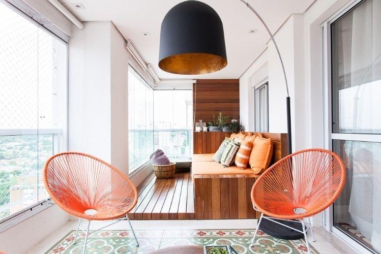 Balcon luxueux d'une maison dans un style moderne