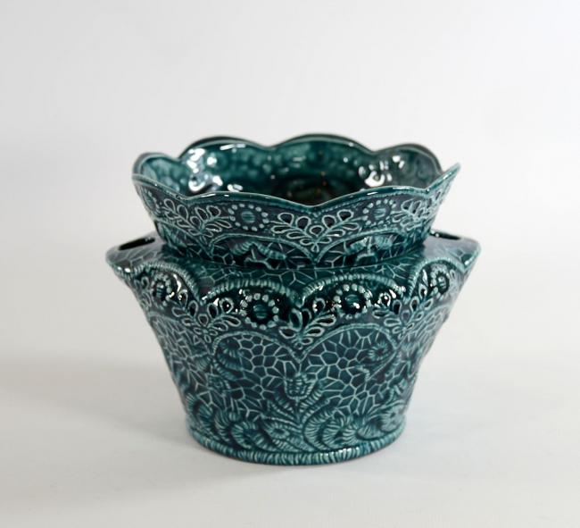 Pot à orchidée en céramique dentelle très délicate dans les tons bleus