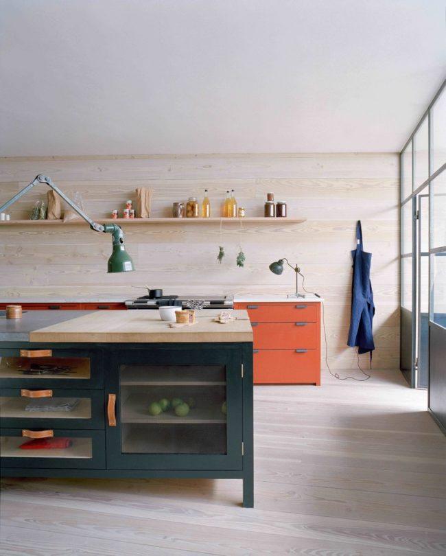 Les poignées en cuir des tiroirs sont parfaites pour un design moderne