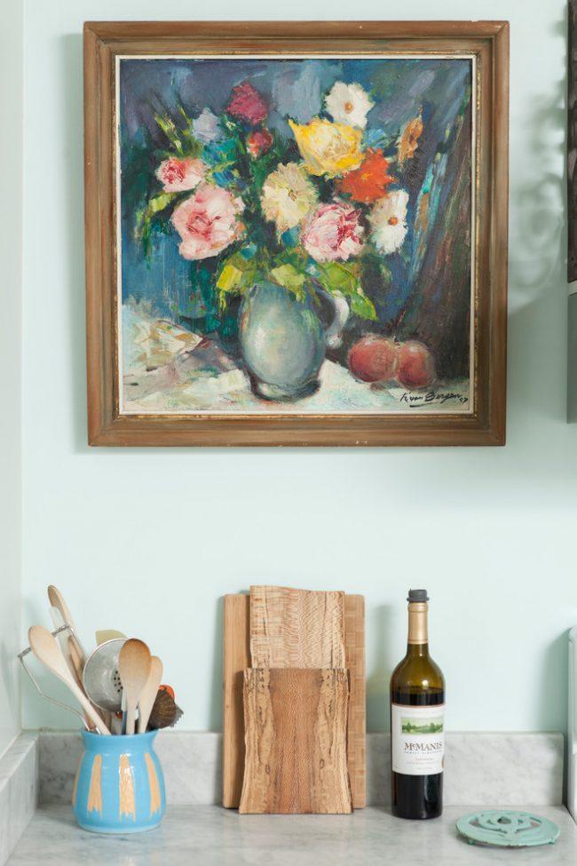 De vraies peintures ajouteront un sentiment de luxe à l'intérieur de la cuisine