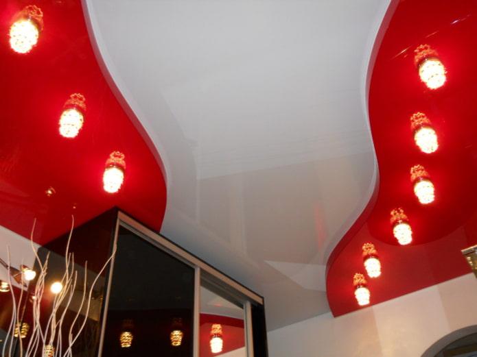 structure de plafond tendu blanc-rouge