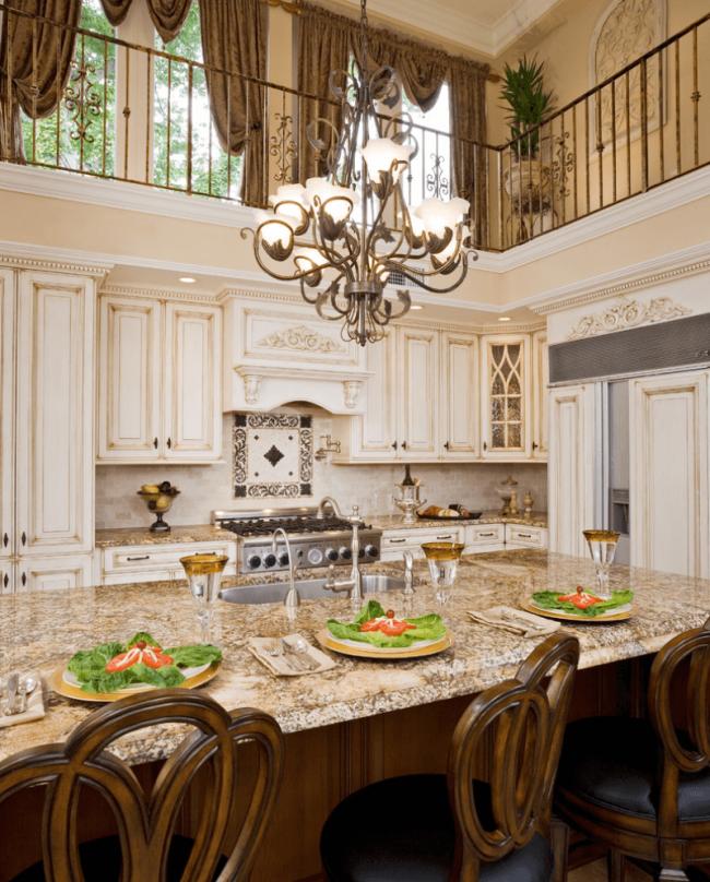 Les meubles de cuisine légers avec patine ont l'air très sophistiqués et chers