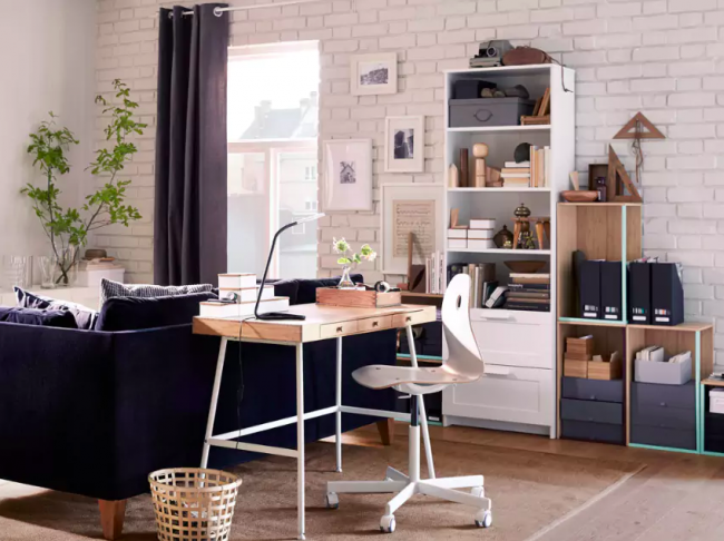 Intérieur laconique complété par des meubles IKEA