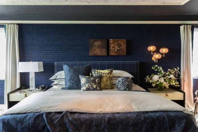 Chambre en bleu foncé