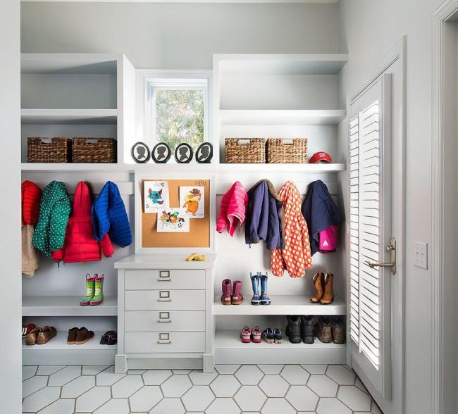 Les meubles de couloir doivent satisfaire toutes les exigences des propriétaires et aider à utiliser correctement la zone